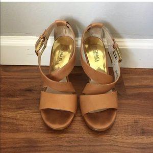 MICHAEL KORS nude gold heels sandals pumps tan